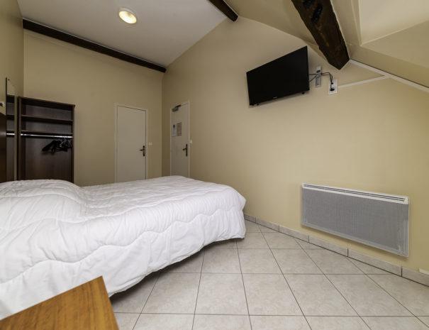 bedroom02004